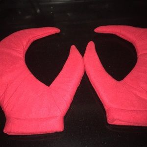 Other - Red Felt Padded Lobster Claw Mitts